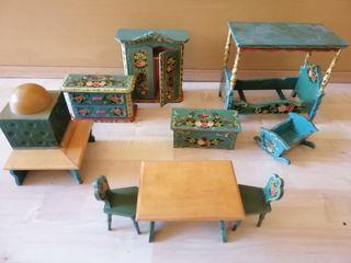 Muebles para casa de muñecas