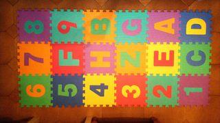 Alfombra infantil puzzle 18 piezas