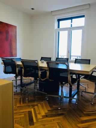 Mesa Reuniones Oficina más 8 sillas oficina