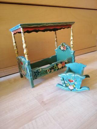 Muebles de casa de muñeca, de madera pintados a ma