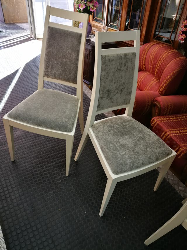 Mesa de salón extensible con 6 sillas a juego