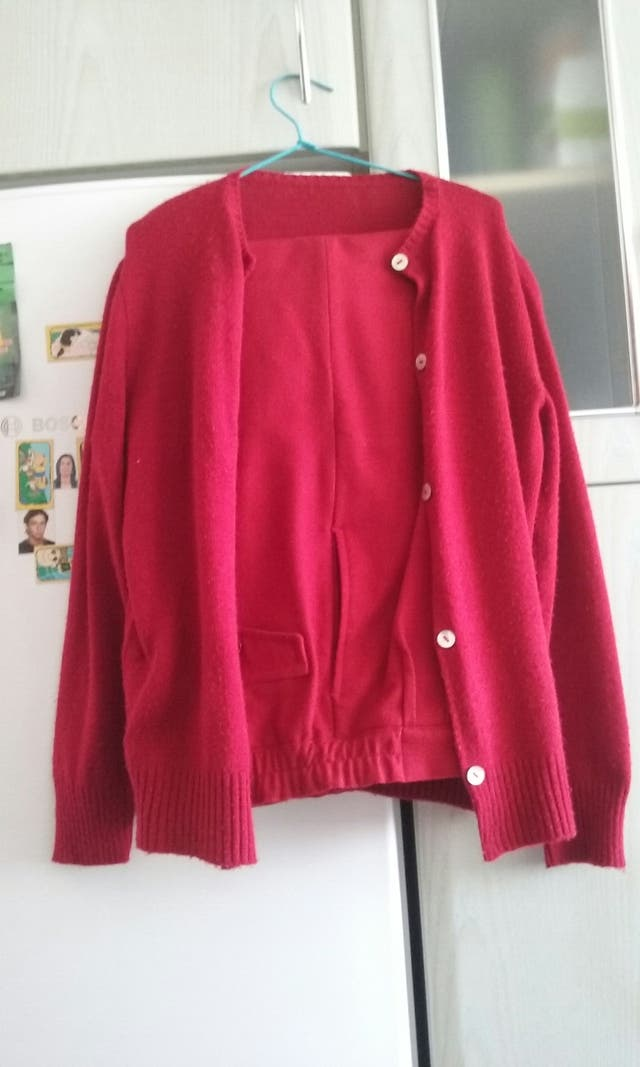 Pantalon rojo a juego con chaqueta