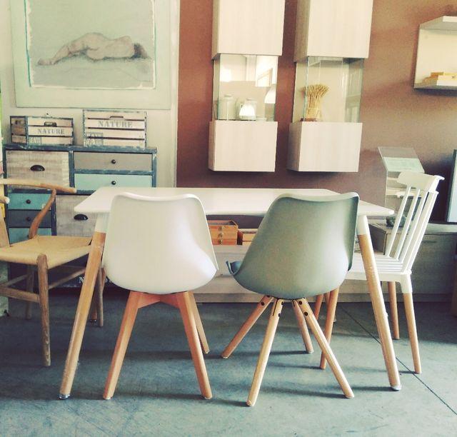 sillas nórdicas nuevas patas madera