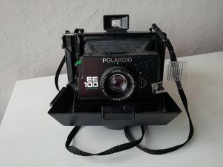Cámara instantánea Polaroid EE100 Special.