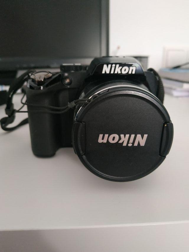 Cámara Nikon Coolpix P100