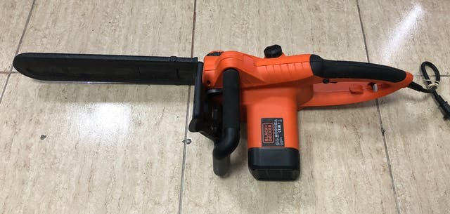 MOTOSIERRA BLACK & DECKER