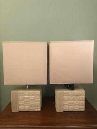 Dos lámparas de sobremesa