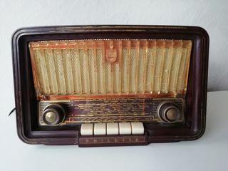 Radio Philips. Modelo Philetta 273.