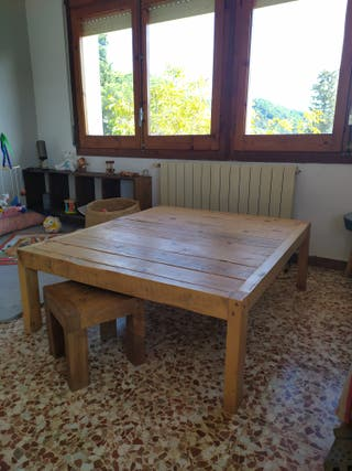 mesa centro. Nueva. post industrial