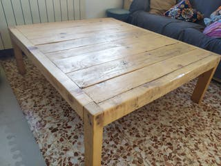 Mesa de centro madera. estilo post industri