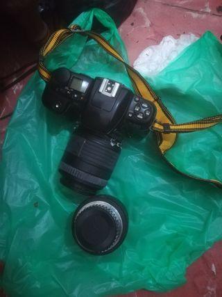 cámara Nikon f106 y objetivos sigma