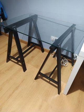 Mesa (2 caballetes + cristal)