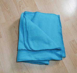 Manta azul 110x150cm NUEVA