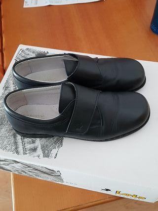 Zapatos piel para vestir niño talla 38 color negro