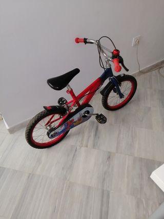 Bicicleta pequeña de niña Spider-Man