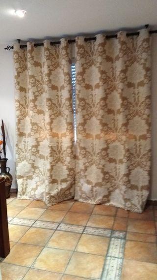 Par de cortinas opacas con ollaos
