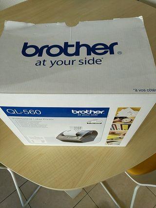 Impresora de etiquetas Brother QL-560