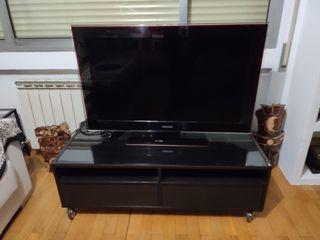 Mueble madera oscura para TV