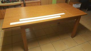 mesa comedor prácticamente nueva