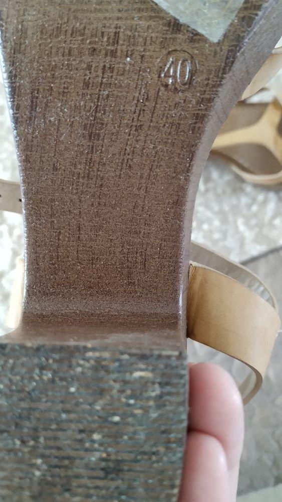 sandalia tacón n40