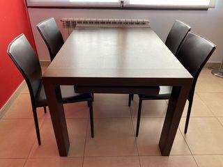 Mesa de comedor madera maciza y 4 sillas