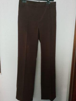 Pantalón vestir marrón T. 36