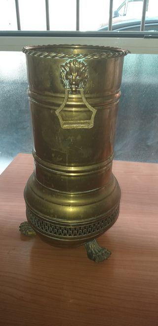 paraguero antiguo de bronce
