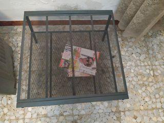 mesa auxiliar. 60 cm x 60 cm