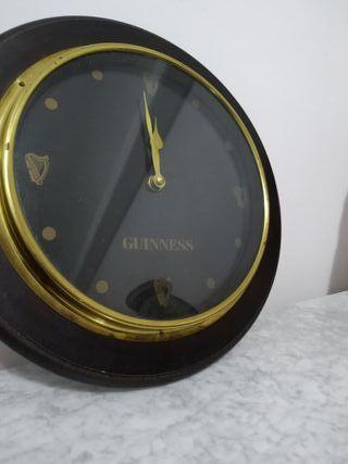 Reloj antiguo Guinness