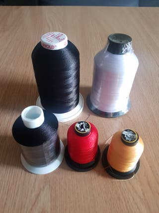 Hilos para maquina bordadora