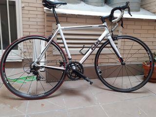 Bicicleta de carretera ktm strada 2000