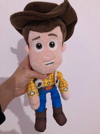 Woody peluche Toy Story con sonido (en español)