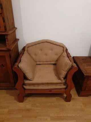 sofá de dos plazas y dos sillones de una plaza