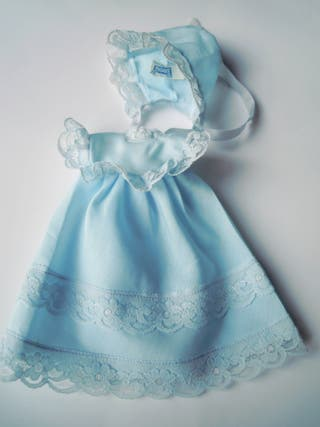 Vestido azul con gorro de Berjusa años 70-80