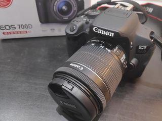 Cámara Canon EOS 700D. Tipo Reflex