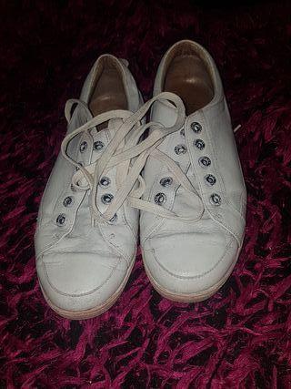 Zapatillas blancas Panama Jack de segunda mano por 9 € en
