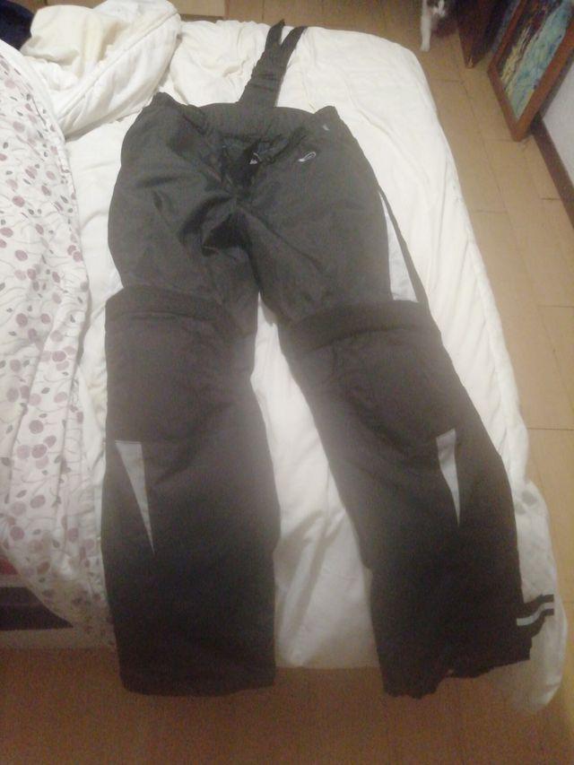 Pantalón de cordura con protecciones