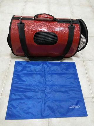Transportin y alfombra refrescante. Mascotas peque