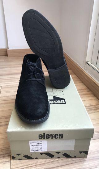 Zapatos piel chico talla 44