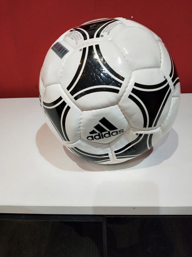 balón Adidas NUEVO