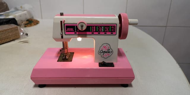 Maquina rosa de coser Coqueta de juguetes Joal