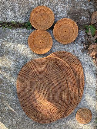 Tres manteles individuales de cesteria