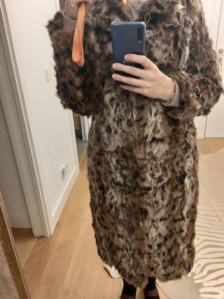 abrigo de piel leopardo