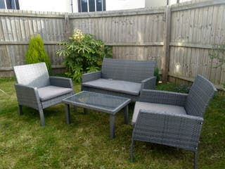 Garden lounge set (1 bench, 2 chairs, 1 table)