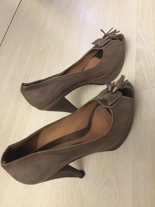 Zapato peep toe T.39