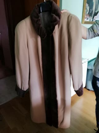 chaqueta muy buena calidad y 2 vestidos