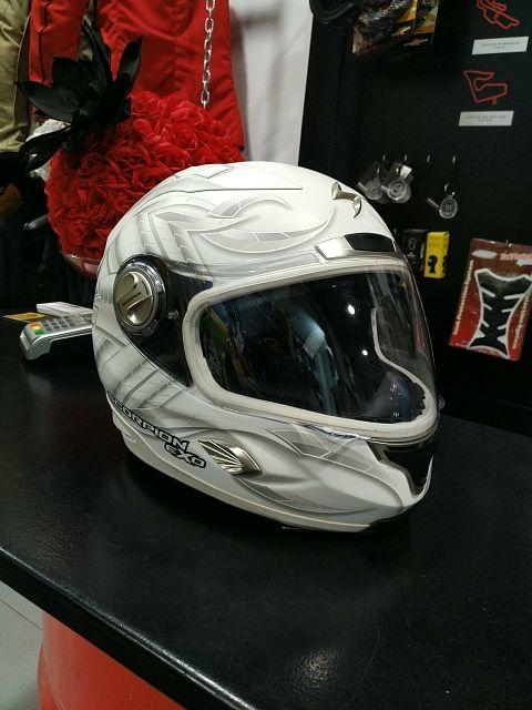 casco scorpion exo 1000