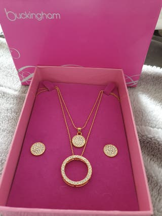 new box chain and earrings set.