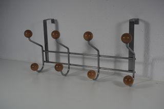 Perchero metal y madera para puerta