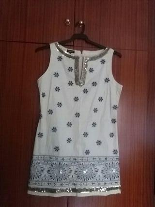 vestido corto de fiesta con pedrería